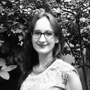 Dr. Carole-Anne Sénit